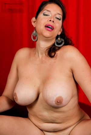 Busty Shemale Porn Pics